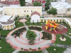 сквер Республики, В сквере Симферополя установят символы автономии