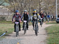 В благотворительной велогонке в Симферополе поучаствовали 67 спортсменов