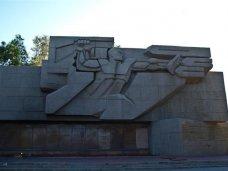Вандализм, Вандалы, Вандалы разрисовали памятник защитникам Севастополя