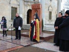 Памятник, В армянской церкви в Евпатории открыли хачкар