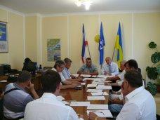 политическая ситуация в Украине, Ялтинские депутаты выступили за восстановление общественного порядка в Украине