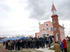 Мечеть, В Сакском районе рядом с церковью построили мечеть