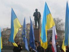 политическая ситуация в Украине, Митинг за  евроинтеграцию в Симферополе не нашел поддержки