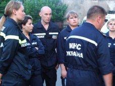 штормовое предупреждение, В Севастополе служба спасения перешла на усиленный режим работы
