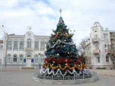 Городская елка, В Евпатории нарядили городскую елку