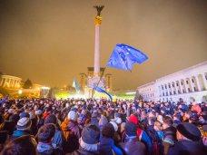 политическая ситуация в Украине, Взгляд представителей крымской журналистики на события в Киеве через социальные сети