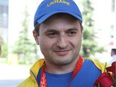 политическая ситуация в Украине, Крымский олимпиец призвал поднимать патриотический дух в стране мирными действиями