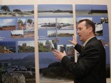 Выставка, В Симферополе открылась выставка фотографий средневековых портов