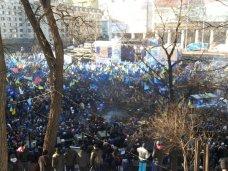 политическая ситуация в Украине, В Киеве американский телеканал заинтересовался митингующими крымчанами