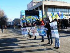 политическая ситуация в Украине, Крымчане призвали центральные телеканалы объективно освещать события