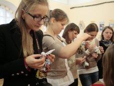 Выставка, В Симферополе открылась выставка новогодних поделок