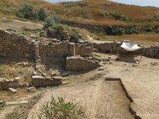 Паспортизация, На земли археологических памятников в Крыму продолжают выдавать госакты