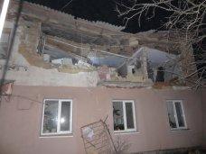 Пожар, В Черноморском взрывом газа разрушена стена дома