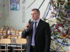 Новый год, Крымский спикер поздравил школьников Научного с новогодними праздниками