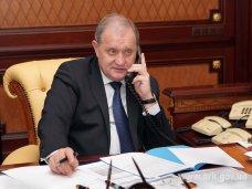 горячая линия, Крымский премьер ответил на вопросы по горячей телефонной линии