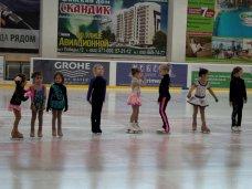 Фигурное катание, В Симферополе завершился новогодний турнир по фигурному катанию среди детей