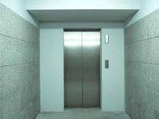 В Симферополе отремонтировали лифты в 32 домах