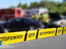 ДТП, В Симферополе мотоциклист столкнулся с двумя автомобилями