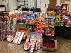 Пиротехника, За новогодние праздники в Феодосии изъяли более 17 тыс. незаконных фейерверков