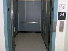 Университетская клиника, В Симферополе в Университетской клинике начали строительство лифта