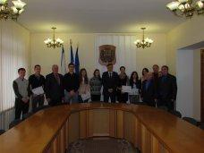 Стипендия, Спортсменам в Симферополе вручили сертификаты на стипендии