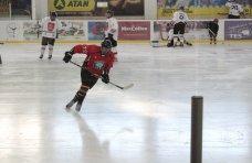 Хоккей, В Симферополе прошел первый матч крымской хоккейной лиги