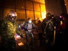 политическая ситуация в Украине, В захвате Украинского дома в Киеве принимали участие 2 тыс. человек