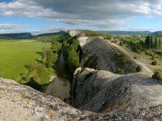 Происшествие, В Крыму при падении со скалы погиб мужчина