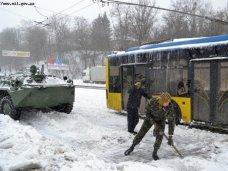 Непогода, В Крыму военные вызвались помочь в борьбе с непогодой