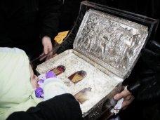 мощи, В Симферополе тысячи паломников приходят поклониться Дарам волхвов