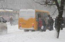 Непогода, Из-за непогоды в районах Крыма не вышли на маршруты до 90% автобусов