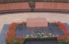 Памятник, В Алуште установят памятник на могиле неизвестного солдата