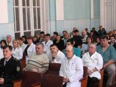 В Симферополе вручили награды медикам военного госпиталя