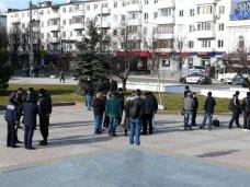 Симферопольцы взяли под защиту памятник Ленину