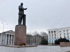 Опрос о переносе памятника Ленину в Симферополе проведут в субботу