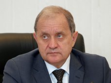 Могилев не собирается покидать пост крымского премьера