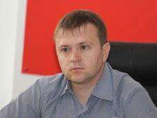 Крымский парламент должен обнародовать проекты решений, чтобы разрядить обстановку, – политолог
