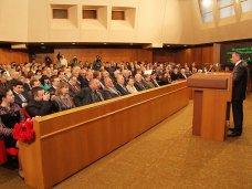 Депутаты от Партии регионов в крымском парламенте собрались на заседание фракции