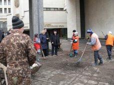 У здания парламента Крыма убрали баррикады