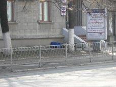 Взрывотехники проверили подозрительную сумку в центре Симферополя