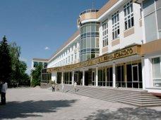 В Симферополе в штатном режиме работают учреждения культуры и образования