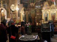 В храмах Ялты провели молебен о мире и спокойствии