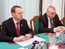 Первый вице-спикер встретился с консулом Турции