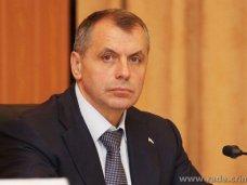 Власти Украины толкают Крым к России, – Константинов