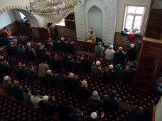 В мечетях Крыма помолились за восстановление мира