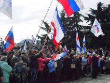 В Алуште прошел митинг в поддержку всекрымского референдума