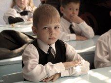 В Крыму до 2016 года будут принимать первоклашек до 7 лет