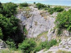 На выходных туристка травмировалась в крымских пещерах