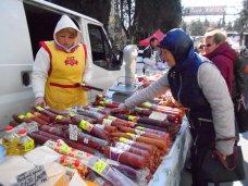 В Алуште проходит весенняя сельскохозяйственная ярмарка