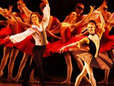 На гастроли в Крым приедут московские театры